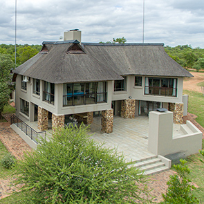 ZP054 - IMMACULATE GETAWAY<br /> PRICE R4 400 000
